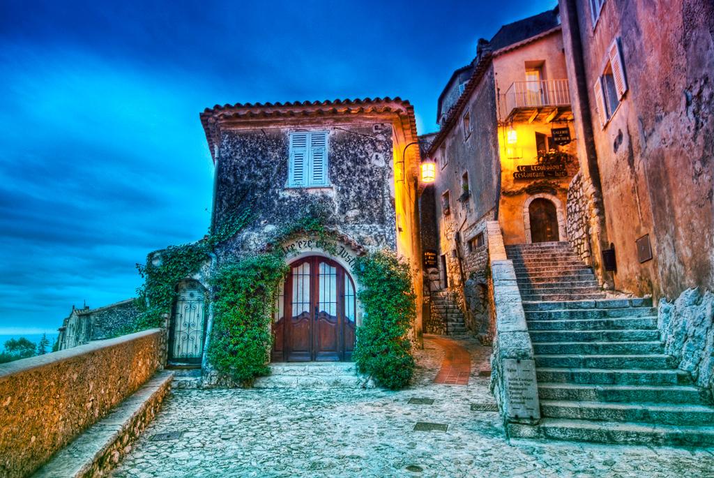 Деревня Эззе, Франция