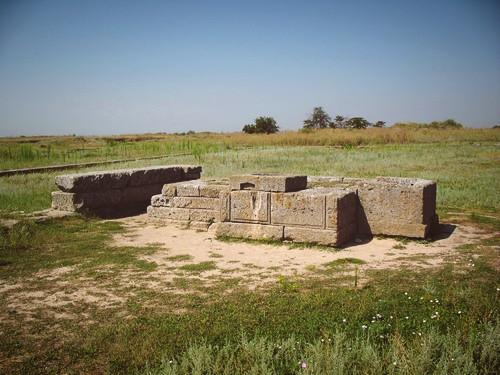 Алтарь перед храмом Аполлона в Ольвии