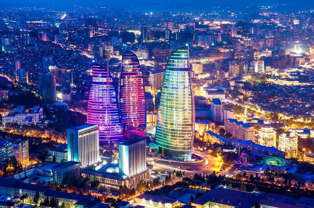 Ночной вид Баку