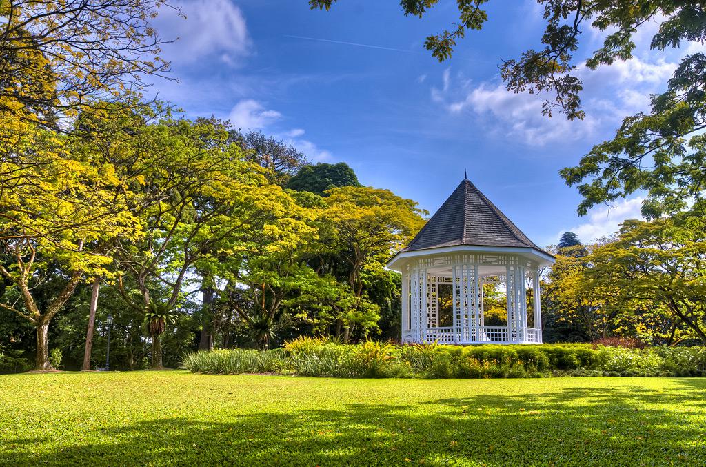 Альтанка в ботаническом саду Сингапура