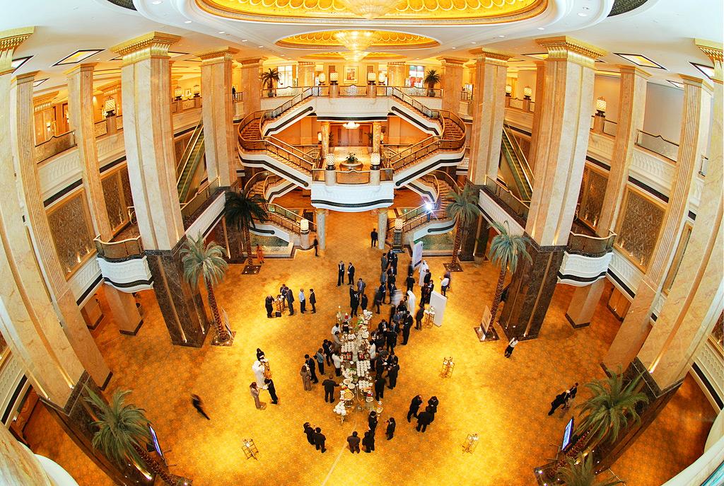 Лобби Emirates Palace, Абу-Даби