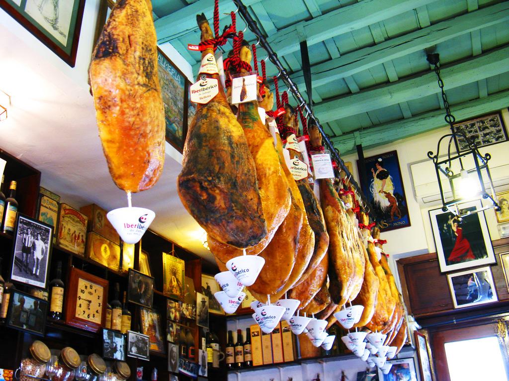 Деликатес Хаммон - национальное испанский деликатес