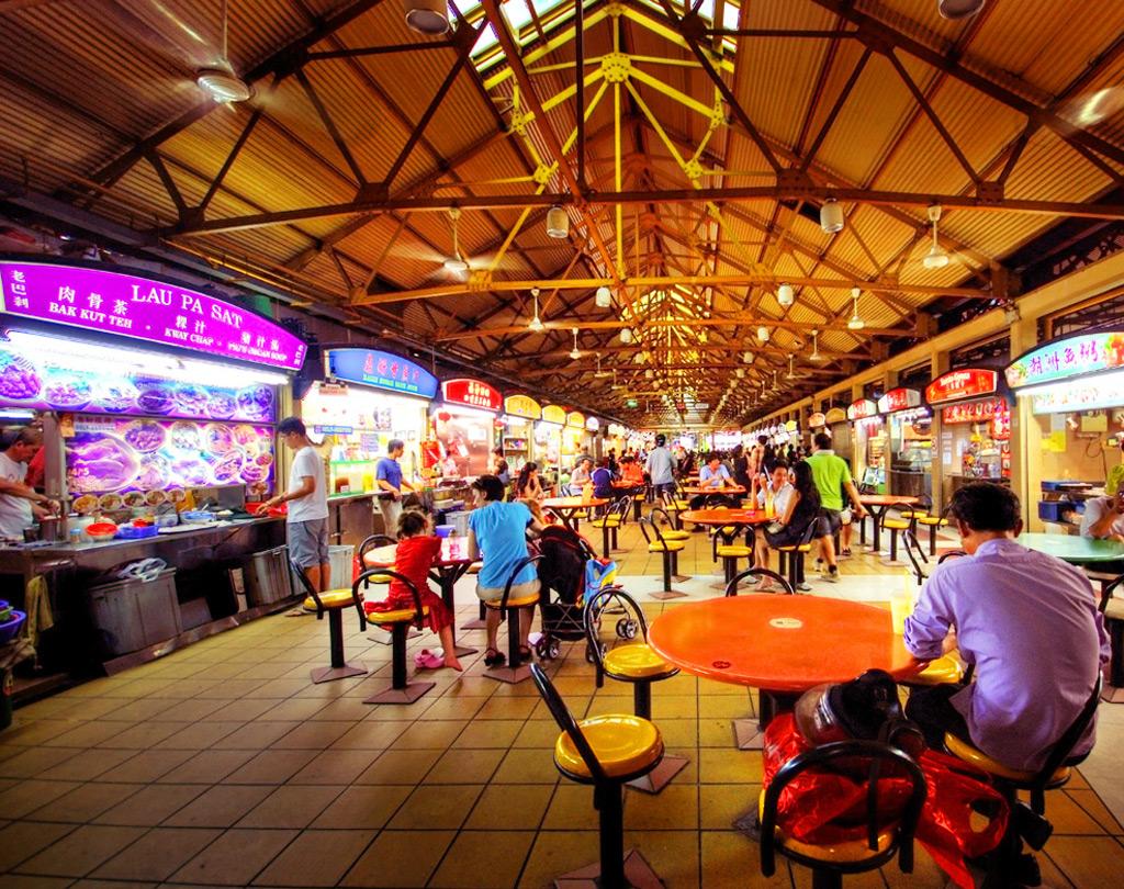 Уличный продуктовый рынок Maxwell Food Centre в Сингапуре