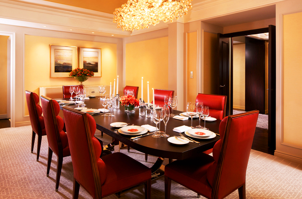 Peninsula Suite Dining Room