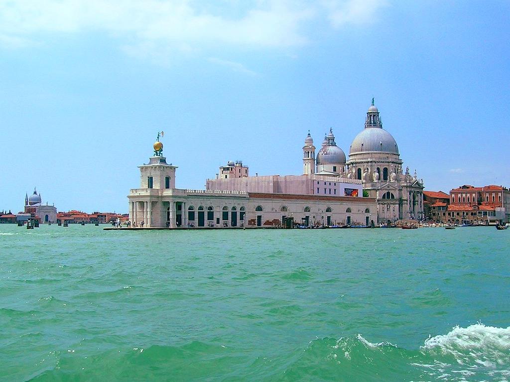Пунта-делла-Догана в Венеции - центр современного искусства