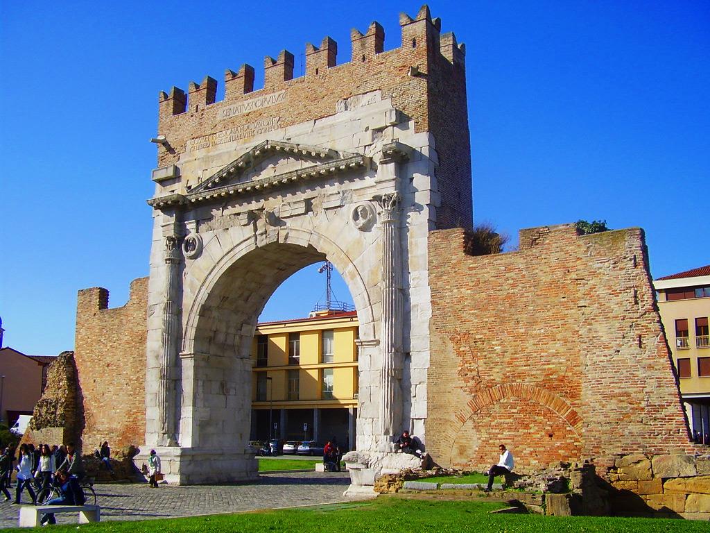 Триумфальная арка Августа в Римини