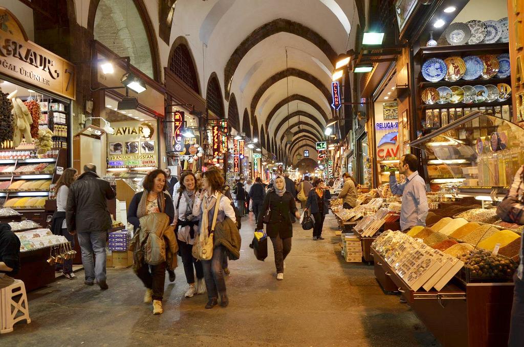 Рынок специй в Стамбуле, Турция