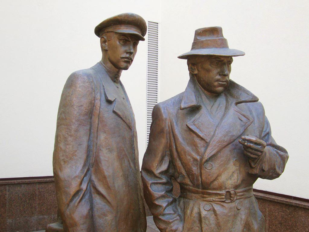 Памятник Жеглову и Шарапову, Киев