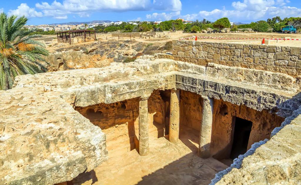 Гробницы Макронисос в Айя-Напе