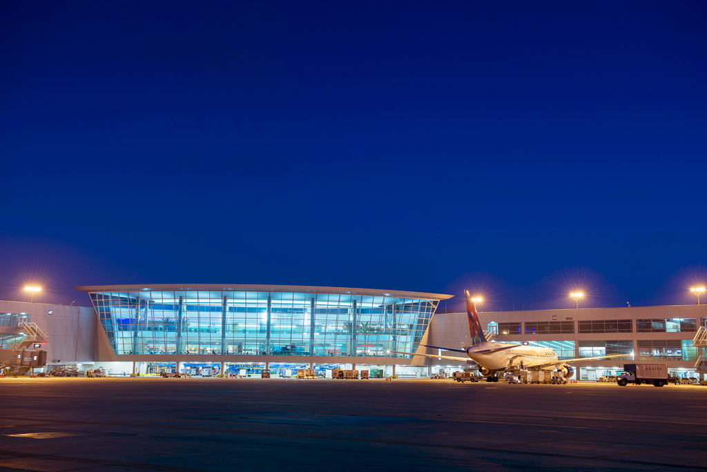 Аэропорт Линдберг-Филд, Сан-Диего, США