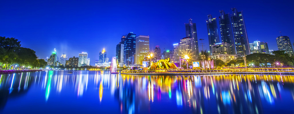 Бангкок в ночных огнях