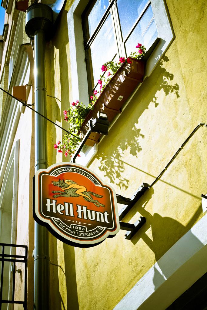 Бар Hell Hunt, Таллин