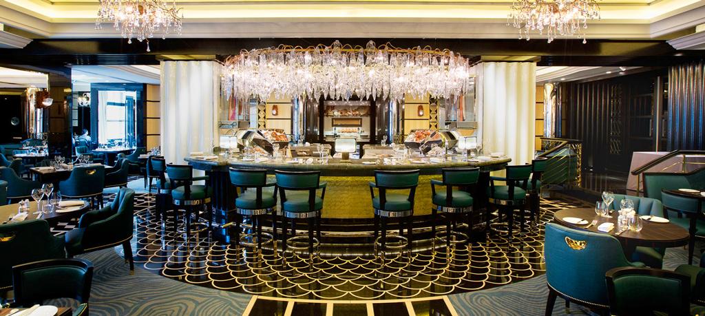 Бар в отеле The Savoy, Лондон, Великобритания