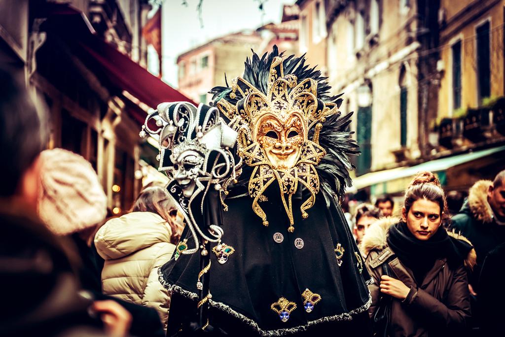Улицы Венеции во время Венецианского карнавала