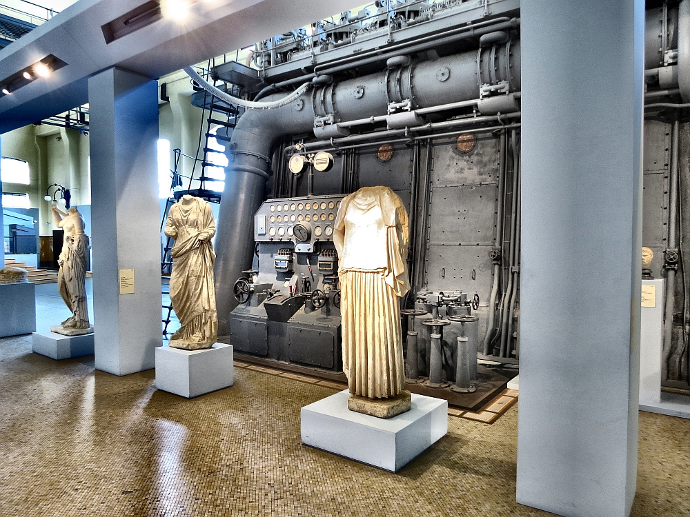Скульптуры в Централе Монтемартини