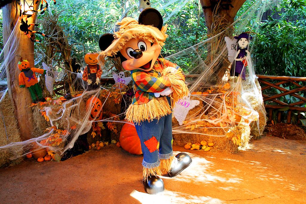 Любимые герои Disney World на Хэллоуин