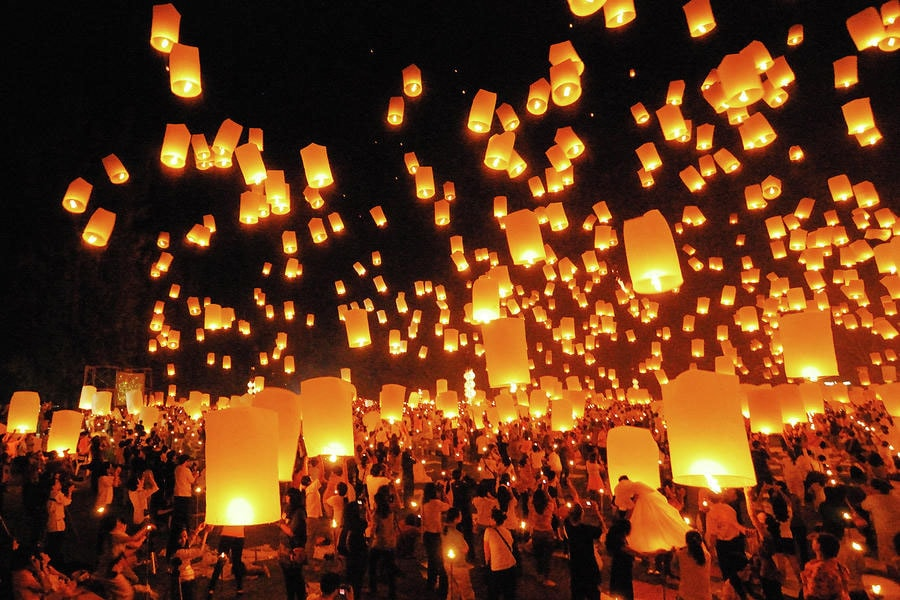 Небесные фонарики на Дивали