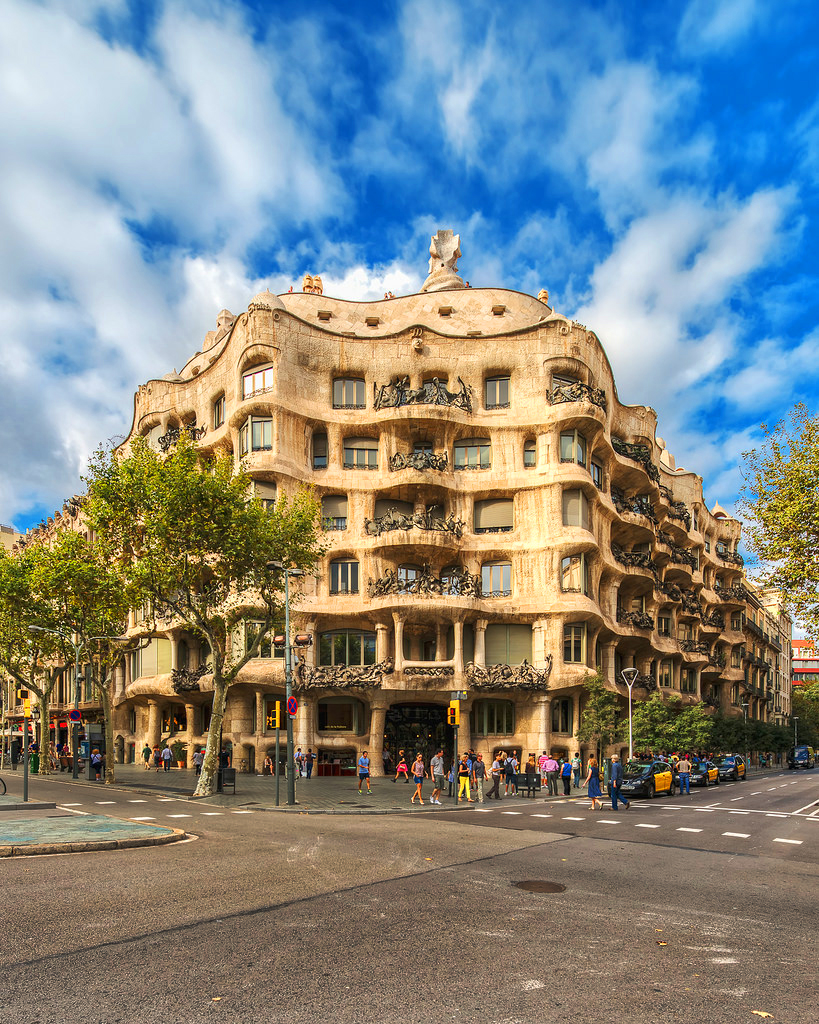 Дом Мила (Casa Milà), Барселона