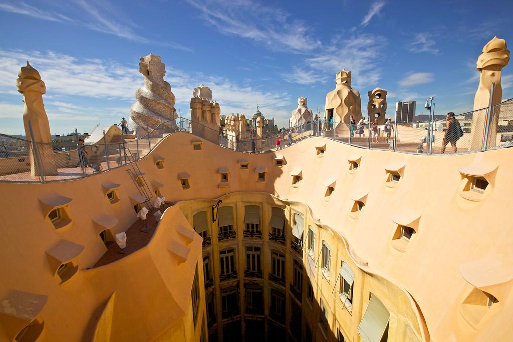 Дом Мила, крыша, Барселона