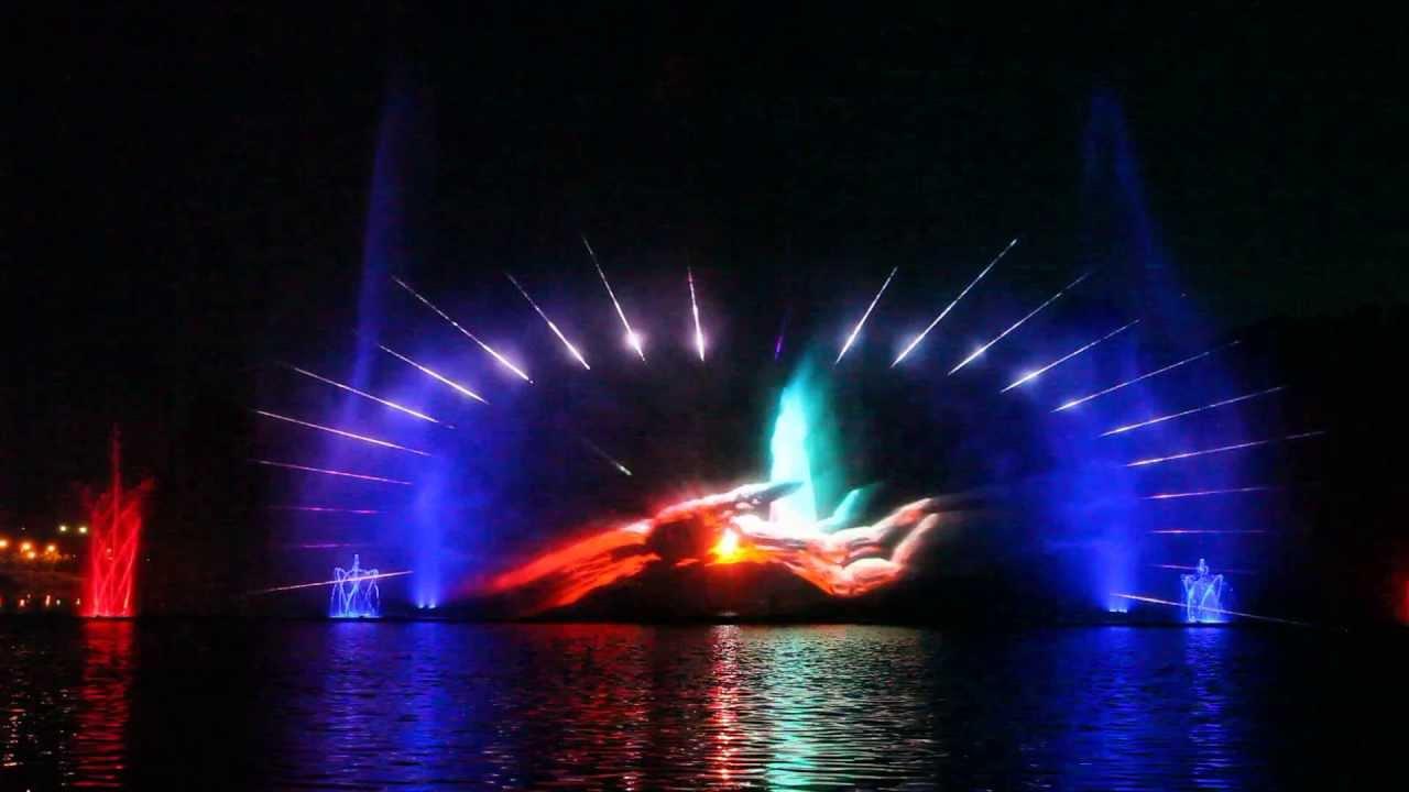 Фонтан Рошен - проекции на водном экране