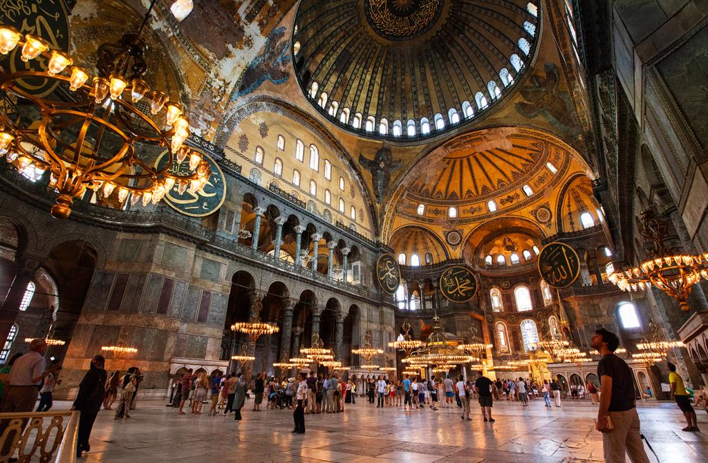 Центральный неф Софийского собора, Стамбул