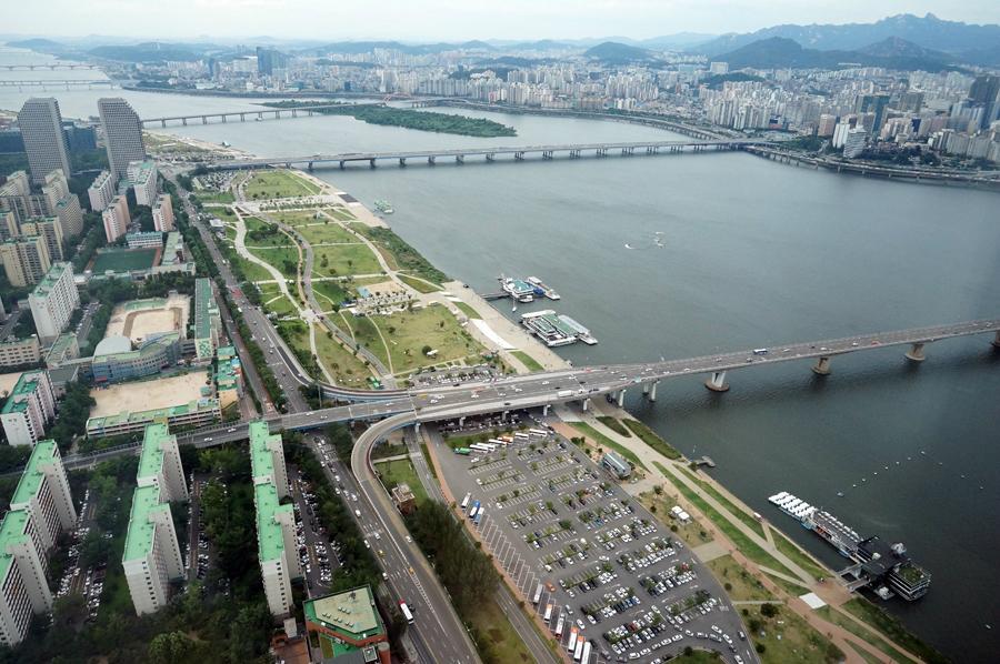 Набережная и парк Ханган в Сеуле