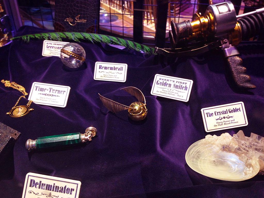 Экспонаты в музее The Making of Harry Potter