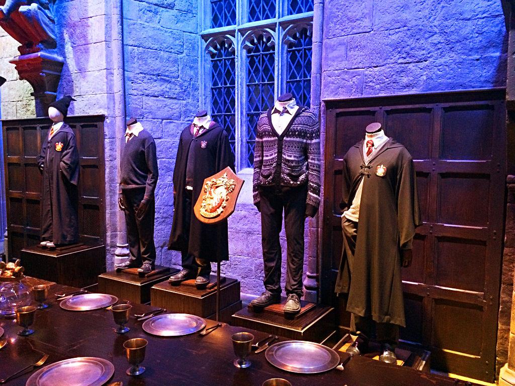Большой зал Хогвартса в музее Гарри Поттера