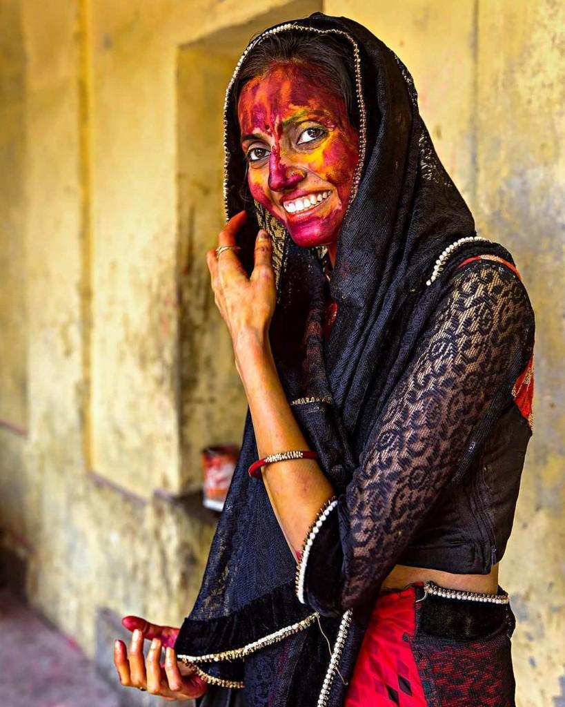 Холи в Индии - праздник взаимной любви и цветов