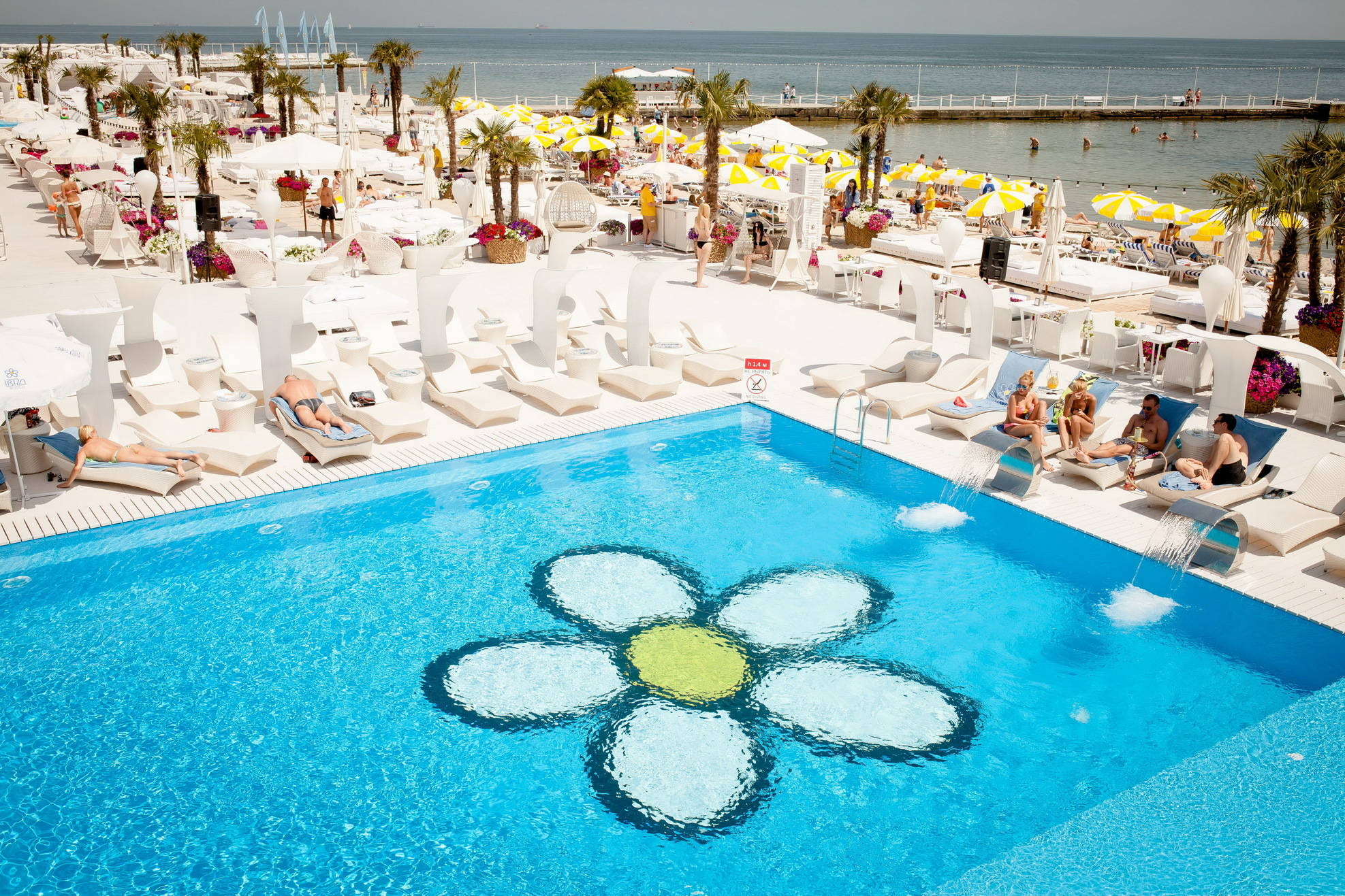 IBIZA BEACH - пляж клуба Ибица в Одессе