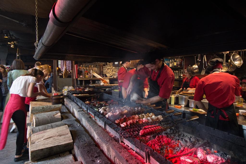 Первая грилевая ресторация мяса и справедливости, Львов
