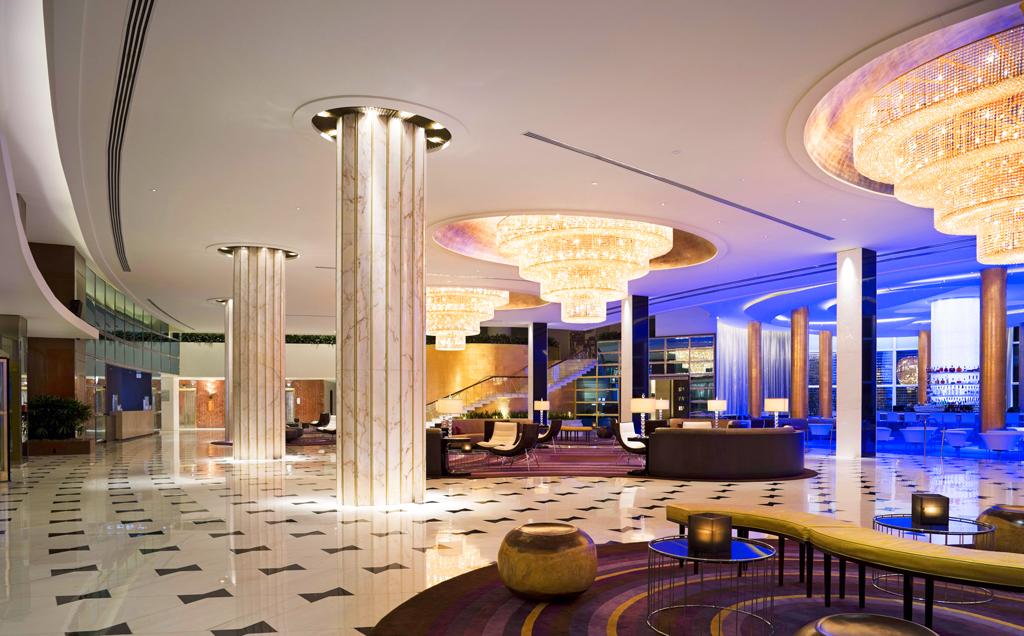 Интерьер отеля Fontainebleau Miami Beach, Майами-Бич, США