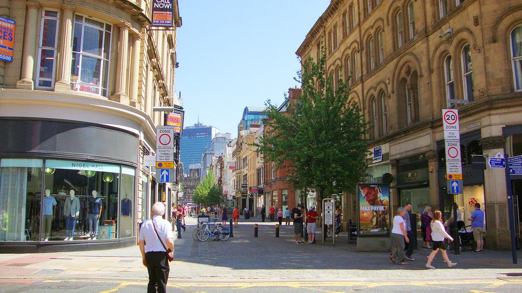 Улица Кинг-Стрит - идеальное место для шоппинга в Манчестере