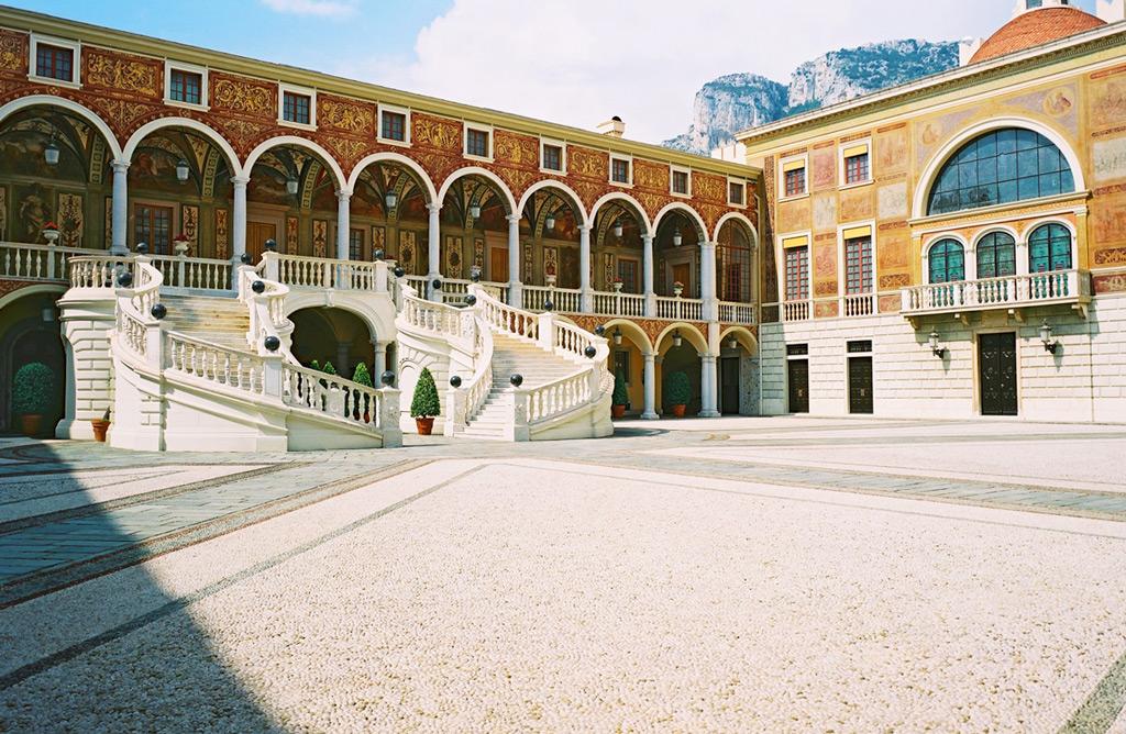 Княжеский дворец Монако, внутренний двор