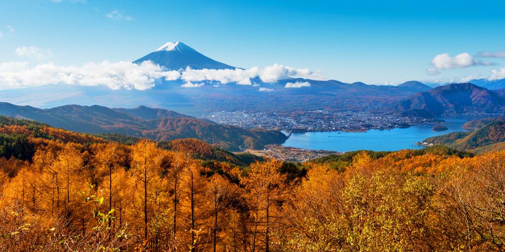 Озеро Кавагути осенью, Япония