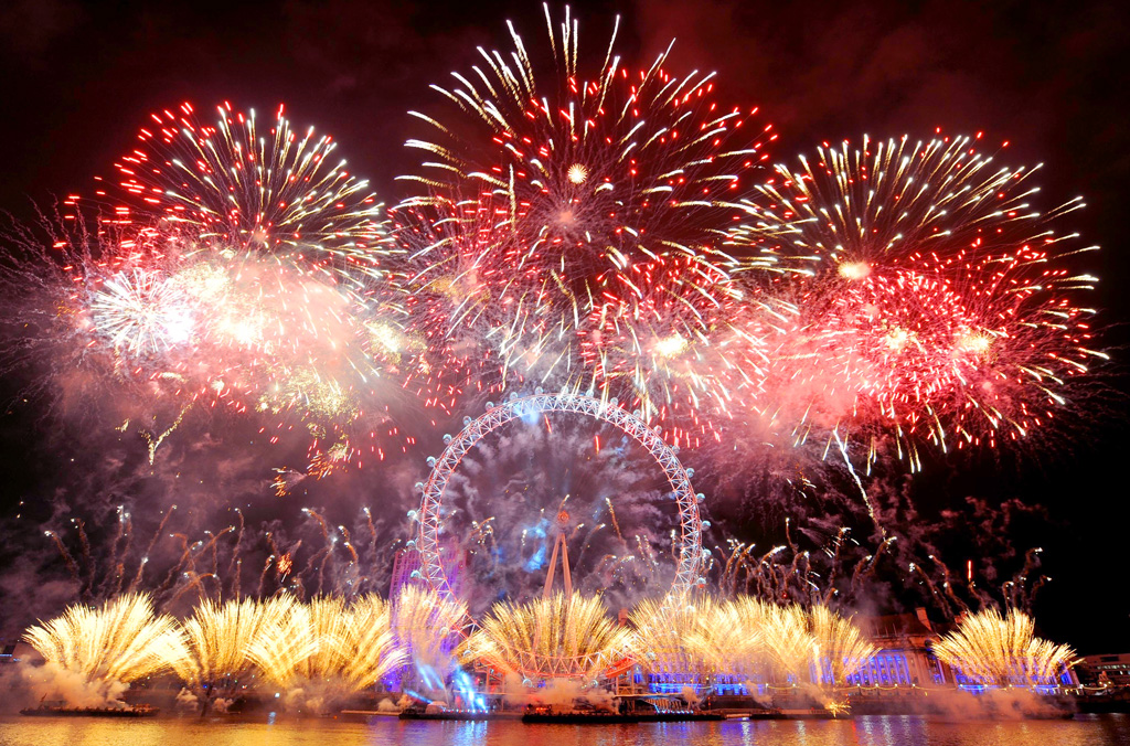 Новогодний салют в Лондоне
