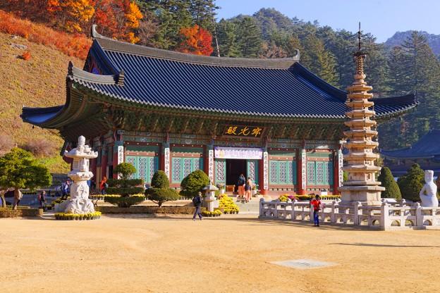 Монастырь Вольчжонса, Южная Корея