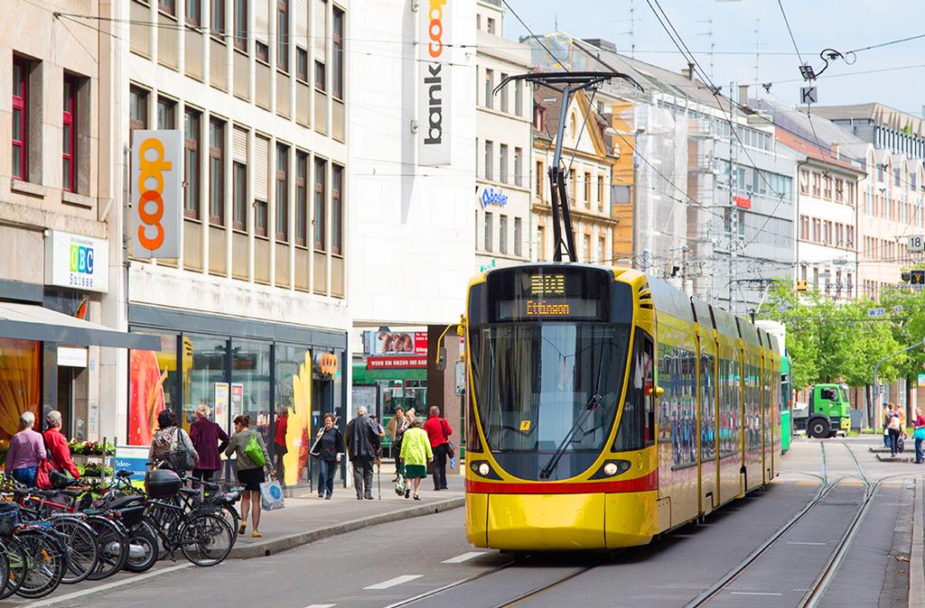 На трамвае №-10 из Лейменом (Франция) в Базелем (Швейцария)