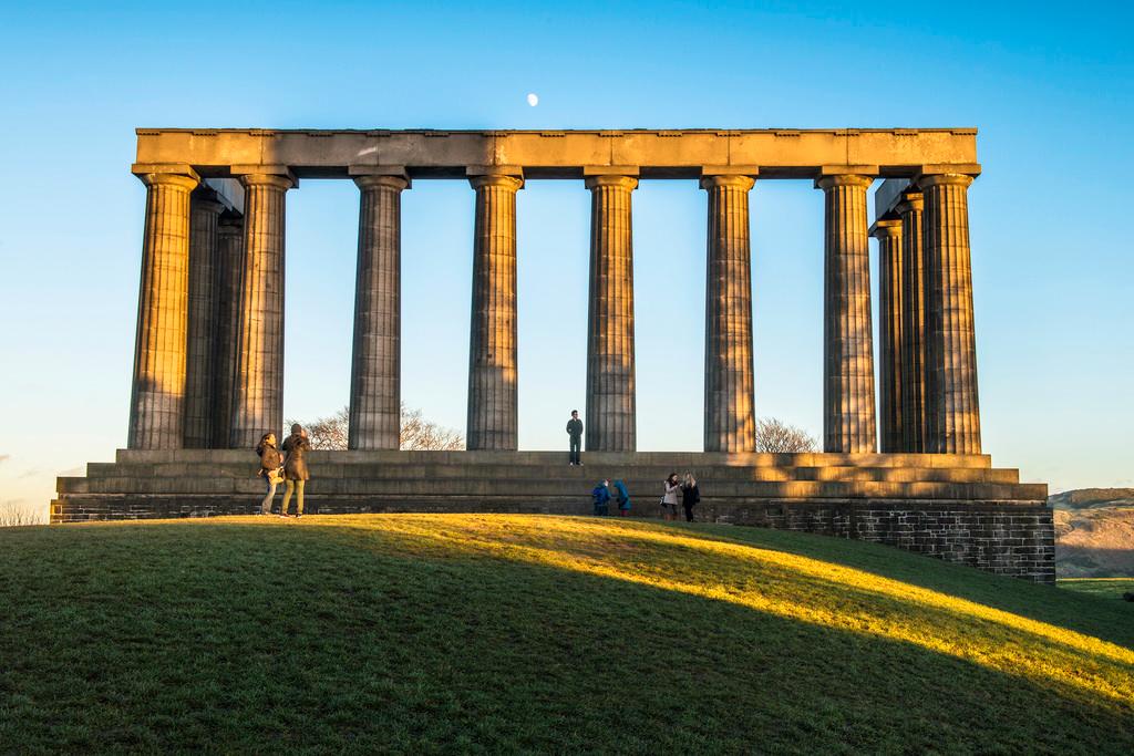 Национальный памятник Шотландии,  Калтон Хилл, Эдинбург