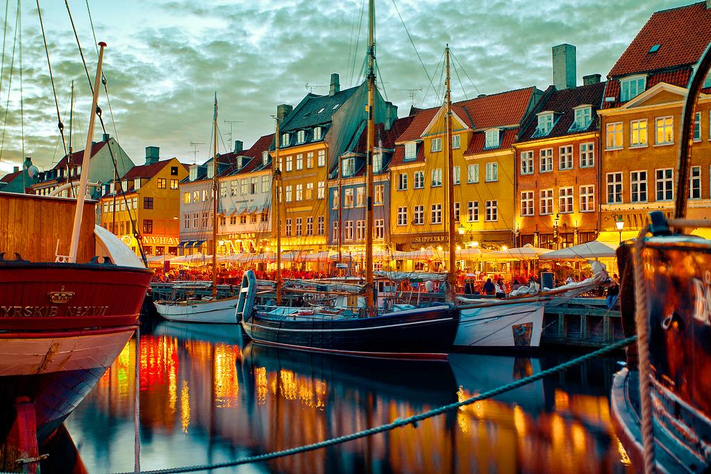 Набережная Ньюхавн в Копенгагене