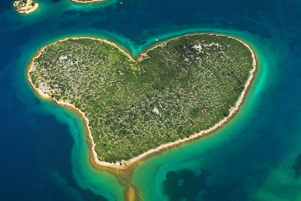 Остров Галешняк в Адриатическом море