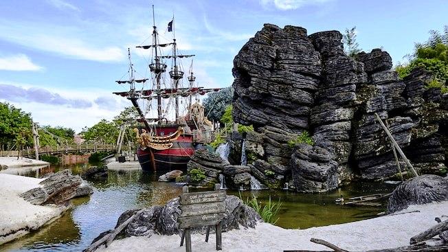 Аттаракцион Пираты Карибского моря (Парижский Диснейленд)