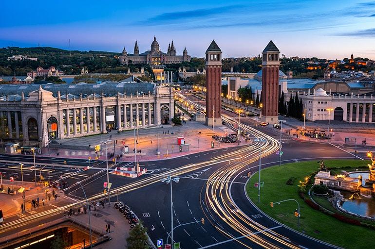 Площадь Испании в Барселоне, ночью