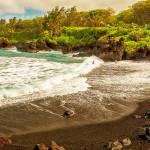 Уникальные черные пляжи мира
