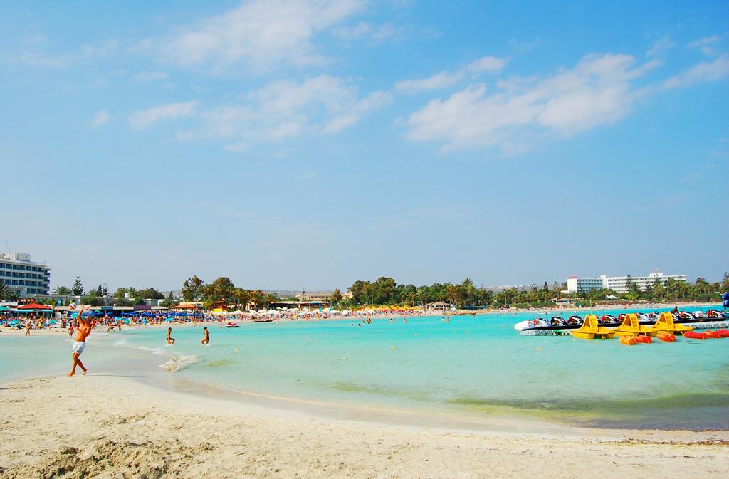 Пляж Насси, Айя-Напа, Кипр