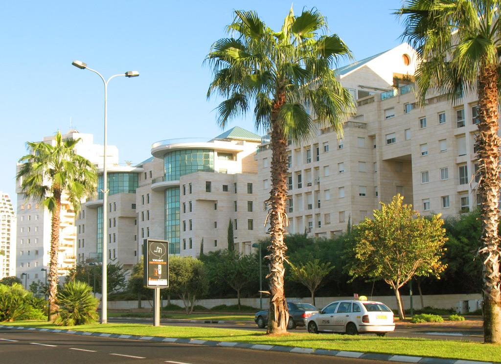 Рамат-Авив