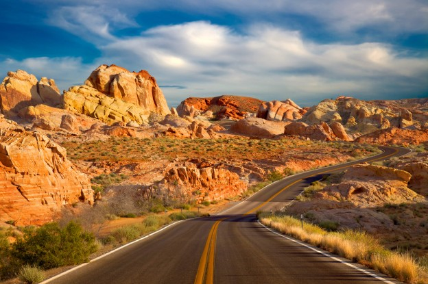 Тихая дорога Красных Скал в Аризоне, США