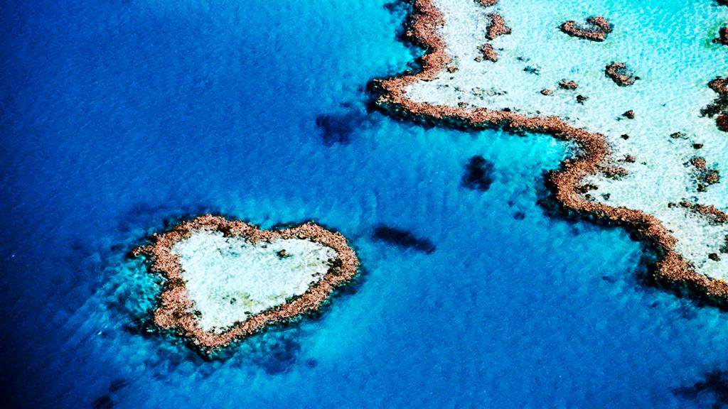 Риф в форме сердца в Австралии