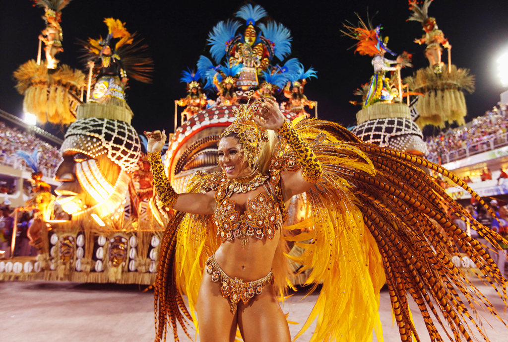 Соревнования школ самбы на карнавале в Бразилии 2014