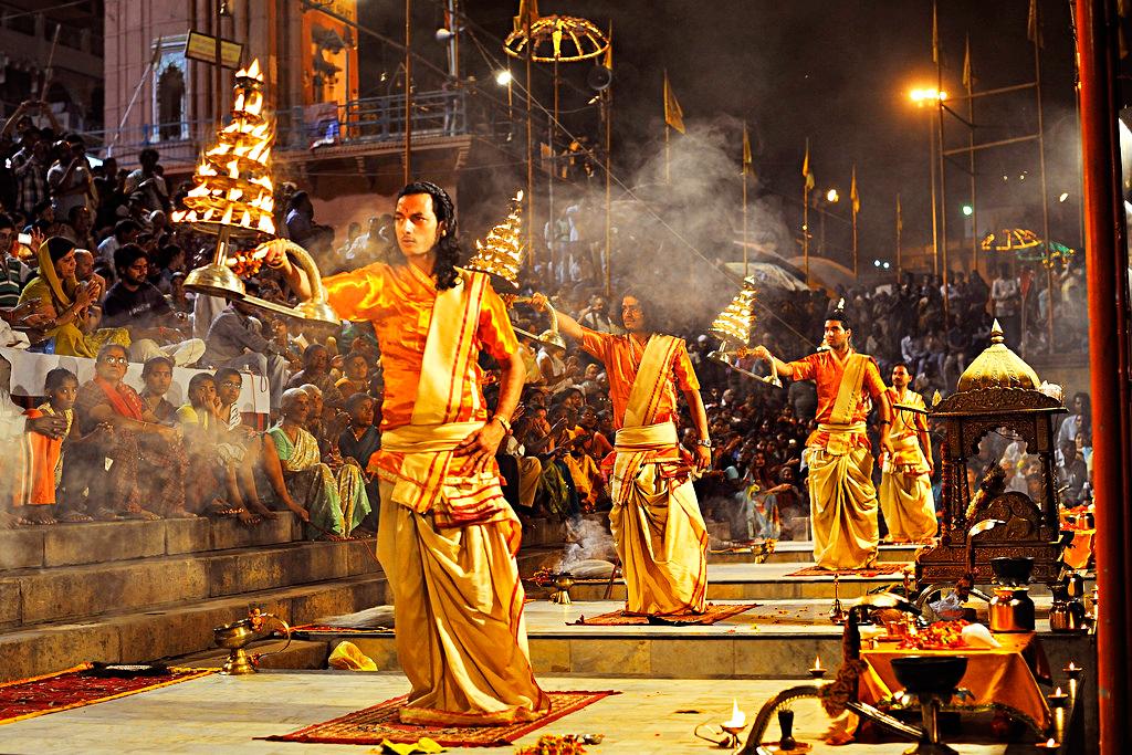 Ритуал арати, Варанаси, Индия
